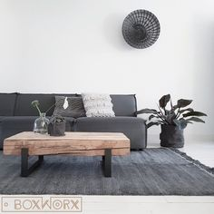 No description of photo available. Decor, Furniture, Interior, Interior Decoration Accessories, Diy Interior, Wood And Metal Table, Home Deco, Coffee Table, Living Room Designs