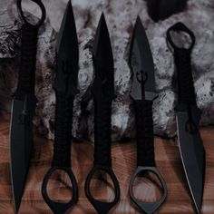 Knife Aesthetic, Badass Aesthetic, Bad Girl Aesthetic, Book Aesthetic, Character Aesthetic, Aesthetic Pictures, Mafia, Swords And Daggers, Knives And Swords