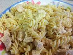 Lemon Chicken Pasta - Cooks in less than 30 minutes and has amazing flavor!
