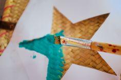 DIY: ster op rieten tas schilderen 3 - DIY Ibiza bag- http://www.galerie-lucie.nl