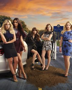 """""""Who is ready to flash #5YearsForward!? #PLL"""""""