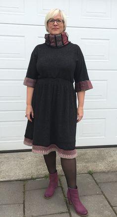 Overlock-lykke og kjole i en fei! Arty Fashion, Mittens, Knit Crochet, High Neck Dress, Tutorials, Sewing, Knitting, Pattern, Jackets