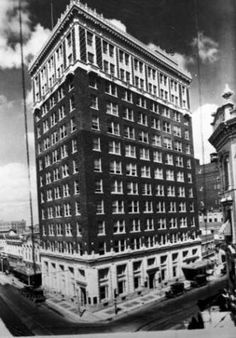ca 1928 - National Bank of Commerce building. North side of Main Plaza, intersection of Commerce and Soledad streets. Texas History, Local History, Downtown San Antonio, Sweet Home, Events, Memories, City, World, Building