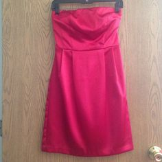 ☀️Strapless satin dress Red strapless satin party dress. Length goes to right above the knee. Never worn, I think I bought this from Macy's. BCX Dress Dresses