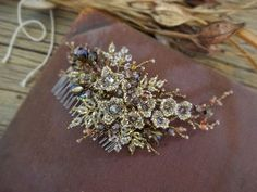 "Allasille wedding jewellery (@allasille) on Instagram: ""Allasille handmadebridalhair comb"