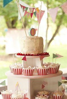 carnival cupcakes - so cute!