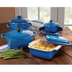 Le Creuset Cookware Set, 9 piece: I want this <3