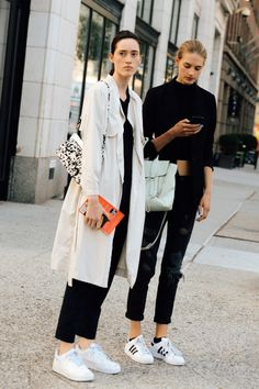 Models Off Duty, Street style, and Fashion. Casual Street Style, Looks Street Style, Style Casual, Street Chic, Style Me, Street Wear, Paris Street, Nyfw Street, Girl Style