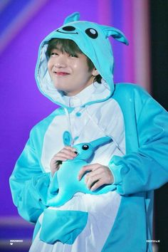 Kim Taehyung ☆ Fanmeeting ☆ BTS 180114 Muster `Happy Ever After` Fanmeeting in Japan ☆ Credits by Bts Taehyung, Taehyung Photoshoot, Kim Taehyung Funny, Bts Bangtan Boy, Taehyung Fanart, V Bts Cute, Bts Love, V Cute, Foto Bts