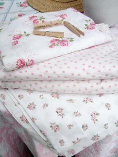 linens with pink roses.  thank you, j