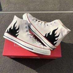 Mode Converse, Diy Converse, Painted Converse, Custom Converse, Outfits With Converse, Converse Style, Custom Sneakers, Custom Shoes, Converse Shoes