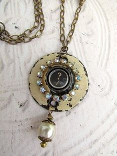 Tutorial for salvaged art necklaces made by: http://mysalvagedtreasures.blogspot.com/2011/12/repurposed-folding-rulers.html