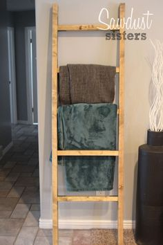 DIY Blanket Ladder using inexpensive materials! Step by Step tutorial for beginners. This ladder can be used as a towel rack as well! Quilt Ladder, Diy Blanket Ladder, Diy Wood Projects, Home Projects, Woodworking Projects, Furniture Projects, Wood Crafts, Woodworking Plans, Ikea Furniture