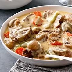 The Big Diabetes Lie- Recipes-Diet - Blanquette de veau à lancienne (mijoteuse) - Doctors at the International Council for Truth in Medicine are revealing the truth about diabetes that has been suppressed for over 21 years. Veal Recipes, Crockpot Recipes, Cooking Recipes, Traditional French Recipes, Fast Food, Cooking Time, Food Inspiration, Love Food, Food And Drink