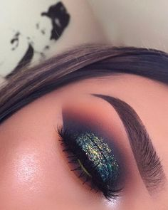 "14.9k Likes, 172 Comments - L U P E _ M U A (@lupe_mua) on Instagram: ""I had to delete it because it wasn't showing the full eye look Here we go again ✨ Glitter…"""