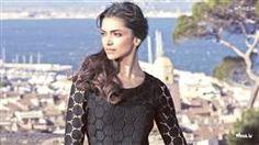 Deepika Padukone Black Top With Natural HD Widescreen Wallpaper, Deepika Padukone Images, Bollywood Actress Images, Bollywood Celebrity Wallpaper