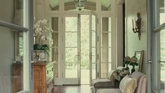 Traditional Entry Clean Simple White Design, Pictures, Remodel, Decor and Ideas - page 24