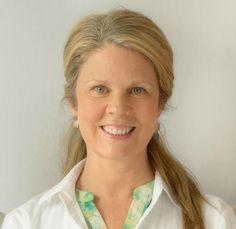Rosemary McDonough, Ac Rosemary McDonough est acupuncteur certifiée et membre de l'ordre des acupuncteurs du Québec. Diplômée du programme d'acupuncture du Collège Rosemont en Montréal, Rosemary s'intéresse particulièrement au stress, à l'anxiété, la douleur chronique, les allergies, l'arthrose, les faiblesses gastro-intestinale et à la santé des femmes.