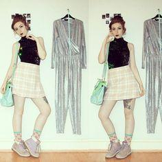 www.thevelvetepidemic.blogspot.co.uk // Fourteen days, fourteen ways wearing the Motel Rocks Zabby dress.