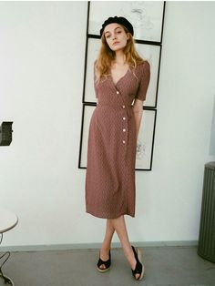 Gabin dress - Rouje ❤ - cute dress - example of same color in two places Looks Street Style, Looks Style, My Style, French Style, Wrap Style, Look Fashion, Fashion Beauty, Mode Outfits, Fashion Outfits