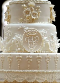 Will & Kate's wedding cake.