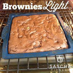 """9,716 Likes, 732 Comments - Sascha Barboza (@saschafitness) on Instagram: """"Sacando del horno el regalito que le hice a mi tía @Claudiarincon28 que cumple años!!❤ BROWNIES…"""""""
