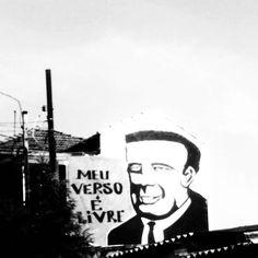 📲 #meuversoélivre #becodobatman #VilaMadalena #saopaulo #Brasil #saopaulosao#sousampa #cidadedagaroa #clickpaulistano #sprayart #mobilephotography #fotografiadecelular #VilaMadalena #muralismo #muralism #arteurbana #urbanart #pb #bw #brbw #urbangallery #galeriaurbana