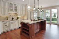 Looking for beautiful kitchen island design and ideas? Visit our gallery featuring luxury kitchen island plans that will leave you ready for a remodel.