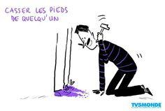 """#ExpressionDuJour #ExpressãoDoDia #FrancêsComTV5 #Français #TV5MONDEBrasil  Savez-vous ce que signifie l'expression: """"Casser les pieds de quelqu'un""""? Vocês sabem o que significa a expressão """"Casser les pieds de quelqu'un""""?"""