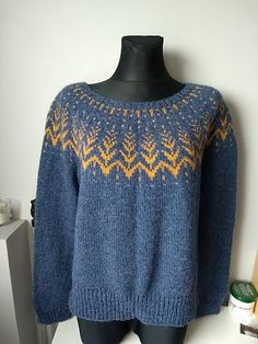 Ravelry: Project Gallery for Vintersol pattern by Jennifer Steingass Icelandic Sweaters, Wool Sweaters, Free Knitting, Knitting Machine, Knitwear, Free Pattern, Knitting Patterns, Knit Crochet, Sweaters For Women
