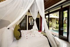 #Bali getaway anyone? The Bali Dream Villa Seminyak #hotel provides you with your own tropical paradise created by the sound of birds & fragrant flowers within the lush tropical gardens that surround it's 30 villas! Bali #travel dreams? This is the place :) #hotels #Indonesia