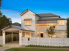 Carport like this but on the side Outside House Paint, Carport Designs, Carport Ideas, Queenslander House, Looking For Houses, House Front Design, House Extensions, Facade Design, Modern House Plans