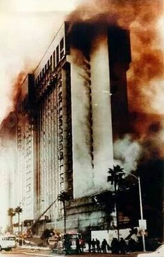 The old MGM hotel in Las Vegas burned to the ground on Nov. 1980 in one of the most fatal hotel fires in United States history. Bally's Hotel and Casino was Old Vegas, Vegas 2, Las Vegas City, Vegas Casino, Las Vegas Nevada, Las Vegas Love, Las Vegas Photos, Las Vegas Strip, Diorama