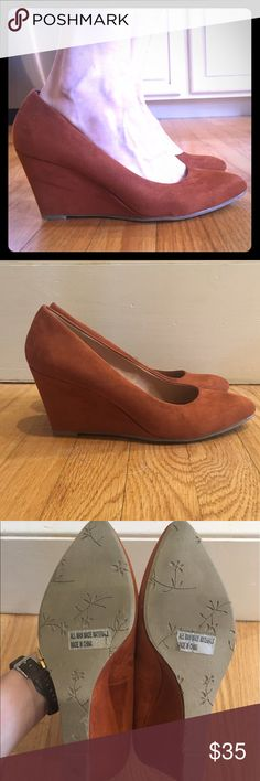 NWOT Burnt orange suede wedge, Report Carsyn Report for Stitchfix, these wedges are gorgeous, only worn to try on around the house. Pretty burnt orange color. Report Shoes Wedges