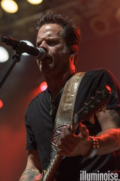 3rd picture with review of June 28, 2012 Country Throwdown Tour show at Milwaukee's Summerfest