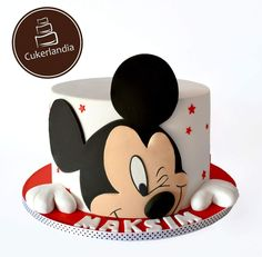 ▷ ideas for a Mickey Mouse cake for die-hard Disney fans Bolo Do Mickey Mouse, Fiesta Mickey Mouse, Bolo Minnie, Mickey Mouse Cupcakes, Mickey Mouse Parties, Mickey Party, Disney Parties, Mickey And Minnie Cake, Mickey Birthday Cakes