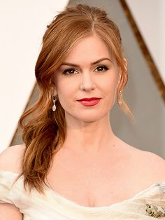 Oscars Extravagant hairstyles on the red carpet! Isla Fisher - Dior Lipstick - Ideas of Dior Lipstick. Trending Dior Lipstick - Oscars Extravagant hairstyles on the red carpet! Classic Hairstyles, Spring Hairstyles, Cool Hairstyles, Isla Fisher, Dior Lipstick, Red Carpet Hair, Grey Carpet, Allure Beauty, Show Beauty