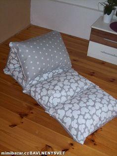 uxusní polštářová postel , na ležení hraní nejen dětí . Šité ze 100% bavlny rozměr 60 x 200 cm ,5 polštářů o rozměru 60 x 40 cm ( kvalitní polštář prošitý viz foto ) . Po celé délce zip na vložení a vyndání polštářků , lze tedy pohodlně vyprat v pračce.