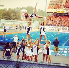 CHEER BYU #KyFun game stunt football pyramid collegiate cheerleading college cheerleaders Cheerleading Pyramids, Cheer Pyramids, Cheerleading Photos, College Cheerleading, Cheer Stunts, Cheer Coaches, Cheer Hair Bows, Cheer Up, Cheer Dance