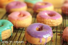 How to: Colored Icing for Doughnuts