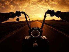 Choppers 'n' Photos — Human by Birth. Rebel by Choice. On the Road……. Chopper & # n & # Fotos – Mensch von Geburt. Harley Davidson Fotos, Harley Davidson Motorcycles, Vintage Motorcycles, Custom Motorcycles, Chopper Motorcycle, Motorcycle Art, Bike Photoshoot, Motorcycle Wallpaper, Motorcycle Photography