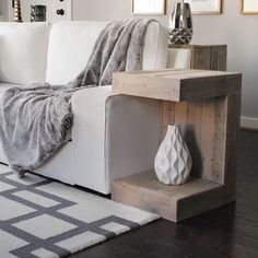 Modern Grey Pallet Coffee Table Reclaimed wood furniture....very cool !!! By Ray & Karla Graves  Modern Reclaimed C Side Table (Natural Finish)