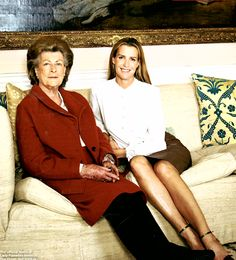 Lady Pamela Mountbatten Hicks and her youngest daughter India Hicks.