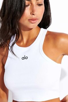 Meet your new go-to, the Alo Yoga Aspire Tank. This wear-everyday style goes above and beyond. Designed on-body to fit every size perfectly, with a soft, cropped body and casual ribbing. Looks good with high-waist capris and shorts. The Beauty Chef, Pilates Clothes, Yoga Tank, Sports Luxe, Sport Fashion, Loungewear, Everyday Fashion, High Waist, Women Wear