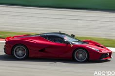 Ferrari LaFerrari in action in Monza!