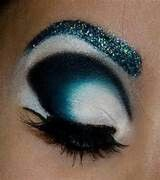 Love how this is done! Eye makeup style!