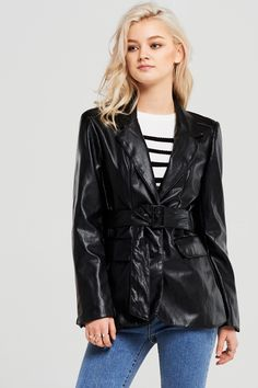 Isabella Leather Blazer Discover the latest fashion trends online at storets.com #fashion #ootd #leatherblazer #blazer #storetsonme