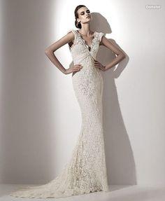 Traje de novia en encaje bordado linea sirena.