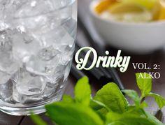 Letní koktejly a letní alkoholické drinky jsou součástí každé příjemné sešlosti s přáteli. Tyhle čtyři recepty byste měli mít v rukávu, zaručeně nadchnou. Shot Glass, Drinks, Tableware, Smoothie, Drinking, Beverages, Dinnerware, Tablewares, Drink