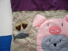 """Detail of the """"Mionc mionc"""" fabric bag."""